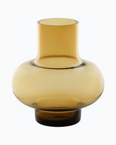 umpu vase amber Marimekko, Light Art, Light Bulb, Nordic Lights, Branch Decor, Ceramic Techniques, Lassi, Amber Color, Colored Glass