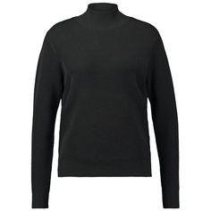 Schlichter schwarzer  Strickpullover mit  Stehkragen von  Selected  Femme.  Kann man sowohl klassisch zu Jeans oder trendig zu  Culottes tragen. c1fa46a495