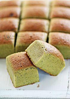 Matcha Chiffon Cake Recipe, Matcha Sponge Cake Recipe, Sponge Cake Recipes, Asian Desserts, Asian Recipes, Healthy Recipes, Ogura Cake, Asian Cake, Cotton Cake