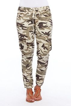 I absolutely love this camo outfit. Seriously camouflage women's clothing looks  super cute and sexy. Very fashion  forward and stylish not to mention trendy.      Womens Camo Cargo Pocket Drawstring Jogger Pants DMC-2A5484 (M, Camo)