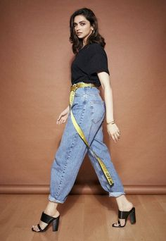Deepika Padukone has been giving us major sartorial moments during the promotions of her upcoming film 'Chhapaak'. See pictures here. Deepika Padukone Jeans, Deepika Padukone Latest, Deepika Ranveer, Aishwarya Rai, Celebrity Fashion Looks, Celebrity Style, Bollywood Fashion, Bollywood Actress, Bollywood Style