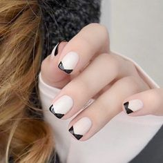 New French Manicure Designs to Modernize the Classic Mani ★ See more: http://glaminati.com/french-manicure-designs/
