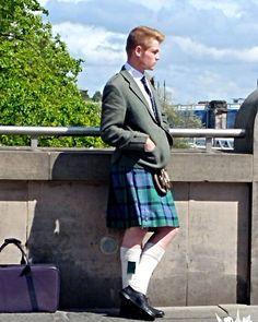 No os parece que las #kilts son de lo más #sexy? :P #Escocia #Scotland #Edimburgh #Edinburgh #OMGB #UK #cloths #tartan #scottish #scottishhighlands