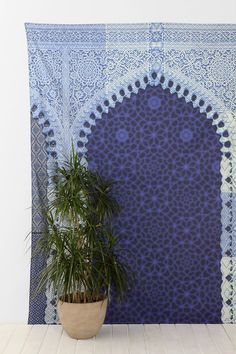 Magical Thinking Moroccan Arch Tapestry - Urban Outfitters  OUTDOOR CURTAIN... kind of in love with the whole Moroccan thing