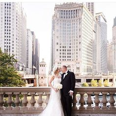 Anne and Marek's September wedding has me dreaming about warm fall days in Chicago Photo: @averyhouse #chicagoweddingplanner #engagingeventsbyali #chicagoweddings #chicagoweddingphotos by aliphillips #instagram #liked