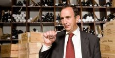 Les vins issus du Grand Cru Romanée-Conti, monopole du domaine du même nom, sont considérés par beaucoup comme les plus grands vins de Bourgogne. Il n'y a qu'à voir ses voisins : 4 Grands Crus dont Richebourg et Romanée-Saint-Vivant où le domaine de la Romanée-Conti possède également des vignes. Nous sommes là au cœur de la légende bourguignonne, avec 180 ares d'un sol riche en argile et en fer, sur un substrat calcaire.