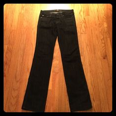 7 for all mankind jeans size 26 Gorgeous, best fitting jeans ever!! Longer length (32 inch inseam) size 26 waist- fit like a 0 or small 2 7 for all Mankind Jeans