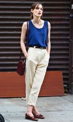 30 Casual Styles with Loafers - Pretty Designs Estilo Keira Knightley, Keira Knightley Style, Keira Christina Knightley, Kira Knightley, Style Outfits, Casual Outfits, Fashion Outfits, Casual Bags, Work Outfits