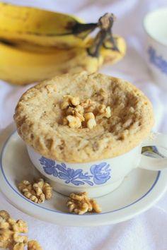 Paleo Banana Bread Mug Cake. Paleo banana bread mug cake - only a few ingredients necessary for this healthy treat! Paleo Sweets, Sugar Free Desserts, Paleo Dessert, Paleo Muffin Recipes, Mug Recipes, Free Recipes, Banana Bread Mug, Banana Bread Recipes, Paleo Mug Cake
