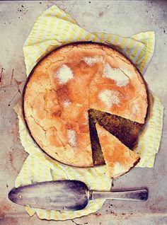 Torta al Limone e Olio di Oliva. Lemon and olive oil cake. Sweet Light, Just Desserts, Dessert Recipes, Lemon Olive Oil Cake, Eat Dessert First, Mets, Wine Recipes, Chocolates, Eat Cake