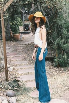 ♡♥ Shabby Shack Thrift Shop and Shabby Shack Vintage Denim & Treasures ♡. Bohemian Mode, Bohemian Style, Boho Chic, 70s Fashion, Look Fashion, Womens Fashion, Hippie Style, Hippie Chic, Looks Style