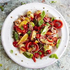 #Recipeoftheday is a classic and simple Italian summer salad, Panzanella. It's perfect for using up stale quality bread and ripe tomatoes. Recipe up on jamieoliver.com guys. #JamieOliver #summersalads
