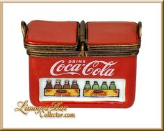 Coca Cola Cooler with Coke Bottle Limoges Box (ULTRA RARE), made in Limoges, France. Buy Hand-crafted Limoges boxes for any occasion. Coca Cola Cooler, Coca Cola Drink, Pepsi, Coca Cola Decor, Best Soda, Always Coca Cola, World Of Coca Cola, Vintage Coke, 6 Pack