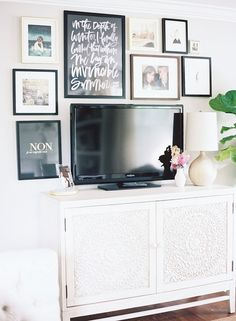 A great use of the space around a tv // gallery wall home living room My Living Room, Home And Living, Living Room Decor, Living Spaces, Small Living, Tv Stand Ideas For Living Room, Decor Room, Modern Living, Bedroom Decor