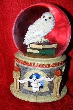 Hedwig Snowglobe