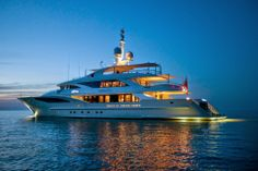Belle Anna is a modern and sporty displacement vessel