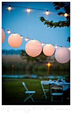 Simple wedding decor #lanterns #outdoorwedding #gardenwedding #reception #weddingdecor