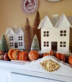 Diy Christmas Garland, Christmas Bags, Christmas Ideas, Christmas Crafts, Christmas Topiary, Christmas Decorations, Autumn Decorations, Xmas, Christmas Inspiration