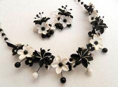 Black and white jewelry  Flower jewelry  Lilies  by insoujewelry, $64.00