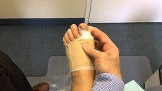 Exercises for Big Toe after Bunion Surgery Source by asigita Health And Wellness, Health Fitness, Mental Health, Toe Exercises, Bunion Surgery, Bursitis Hip, Whole Body Workouts, Surgery Recovery, Big Toe