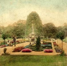 1870 English Victorian Garden, Courtesy, The Flower Museum, London, England. Towards the end of the 19th century an appreciation of a more natural gardens and native plants was expressed. This resulted in the fashion for woodland gardens and a return to informality.