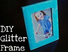 Super cute DIY Glitter Frame to do with the kids via @ITSMoments!