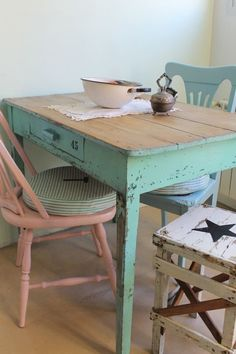 34 best dining room furniture for your home 23 Painted Chairs, Painted Furniture, Home Furniture, Shabby Chic Kitchen, Recycled Furniture, Best Dining, Dining Room Furniture, Vintage Decor, Diy Home Decor