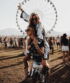 Feb 2020 - We gather 7 festival accessories to add to your list of Coachella outfit ideas. 7 festival essentials to create the most smashing Coachella Style: Coachella Clothes, Coachella Jewelry, Coachella Fashion. Festival Looks, Festival Stil, Coachella Festival, Festival Outfits, Festival Fashion, Coachella 2018, Coachella Style, Festival Party, Festival Image