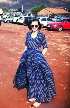 Tswana Bridesmaids In Blue Pleated Shweshwe Dresses 2019 - Styles Art Seshoeshoe Dresses, Shweshwe Dresses, Become A Fashion Designer, African Dress, I Love Fashion, Black Heels, Contemporary Style, Different Styles, African Fashion