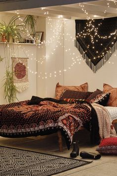 Bohemian Bedroom :: Beach Boho Chic :: Home Decor + Design :: Free Your Wild :: . - Bohemian Bedroom :: Beach Boho Chic :: Home Decor + Design :: Free Your Wild :: See more Untamed Be - Bohemian Bedroom Decor, Boho Room, Bedroom Inspo, Bohemian Interior, Bohemian Bedding, Bedroom Inspiration, Bohemian Decorating, Diy Decorating, Decor Room