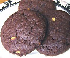 Chocolate Peanut Butter Fudgies--a #healthy #vegan cookie that's refined #sugarfree | rickiheller.com