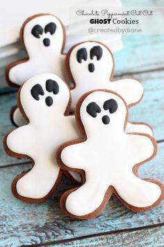 Chocolate Peppermint GHOSTS perfect for Halloween, but this cookie recipe is great anytime and will be delicious at Christmas too. Halloween party food #halloween