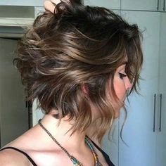 Latest Best Short Hairstyles, Haircuts & Short Hair Color Ideas Trendy Messy Bob Hairstyles and Haircuts, 2019 Female Short Hair Ideas Textured Bob Hairstyles, Haircuts For Wavy Hair, Messy Bob Hairstyles, Hairstyles Haircuts, Short Hair Cuts, Short Hair Styles, Short Wavy, 2018 Haircuts, Easy Hairstyle