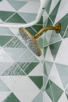 Brass and green tiles = Wow! Before & After: Graphic Green Tile Totally Transforms a Dated Bath Home Design, Key Design, Bath Design, Wc Decoration, Bathroom Tile Designs, Bathroom Ideas, Shower Bathroom, Mosaic Bathroom, Brass Bathroom