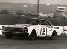 Dan Gurney in a Wood Brothers Ford.
