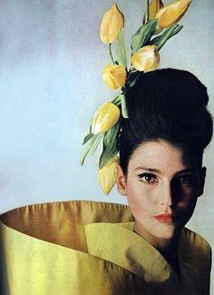 Benedetta Barzini, Vogue, 1965Photographer: Irving Penn