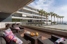 MAUI APARTMENT   Imagina contemplar los amaneceres y las puestas de sol desde los 102m2 de terraza de este exclusivo apartamento ubicado en el edificio Ibiza Royal Beach. #ibiza #ibizaluxury #luxury #apartmentse
