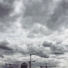 Under construction #Berlin #mitte #stadtschloss #webuiltthiscity #underconstruction #progress #architecture  #urbex #outdooradventures