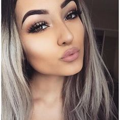 Makeup on point and her hair omg! #goalsss