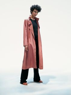 Luxurious Phoebe coat in technical fabric. With its simple, relaxed silhouette, it offers an clean, understated design that takes functional outerwear to new style levels. Duster Coat, Shell, Silhouette, Urban, Simple, Fabric, Pink, How To Wear, Jackets
