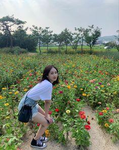 Extended Play, South Korean Girls, Korean Girl Groups, Sinb Gfriend, Moving Photos, Cloud Dancer, Ulzzang Korean Girl, Uzzlang Girl, Summer Rain