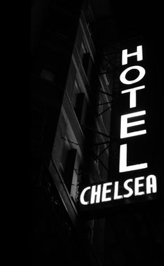 Chelsea Hotel, New York  http://under-overground.com/new-york-lieuxii.html#ANCHOR_Text2