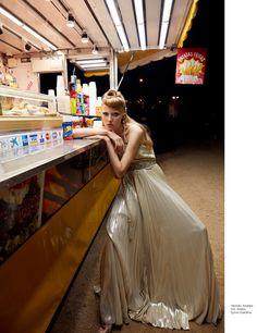Maryna Polkanova for the November 2018 issue of Harper's Bazaar Mexico. Photographed by Vladimir Marti. Photoshoot Inspiration, Style Inspiration, High Fashion, Fashion Beauty, Woman Fashion, Carnival Fashion, Mexico Fashion, Dark Beauty Magazine, Get Glam