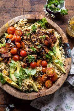 Lemon Herb Chicken, Pesto Chicken, Chicken Avocado Salad, Herb Chicken Recipes, Salad With Grilled Chicken, Grilled Lemon Chicken, Grilled Avocado, Chicken Gyros, Bacon Salad