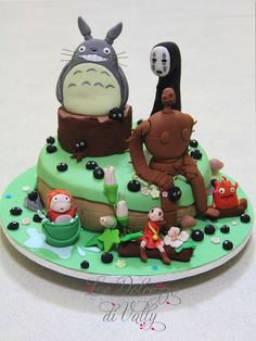 Studio Ghibli cake! I love this Idea!!! Many of Studio Ghibli's movies! I want this kind of idea for my cake!!!!