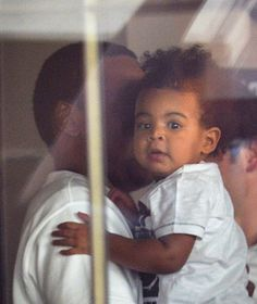 Blue Ivy Carter latest pictures | ... Girl! Mr. & Mrs. Carter Take Blue Ivy To Lunch In Paris (PHOTOS