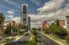 Paseo de la Castellana Skyline, Madrid, Sidewalk, Country Roads, Mansions, House Styles, Countries, Photography, Walks