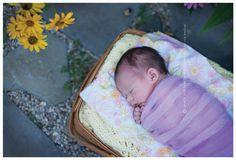 Lovely Fitzgerald Photography Outdoor Newborn Portrait #newborn #photographypose