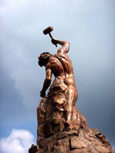 Monumento al Trabajo--Chinandega, Nicaragua