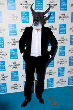 Pin for Later: Holt euch Inspiration für eure Karnevalskostüme – von den Stars! Hugh Grant als Stier